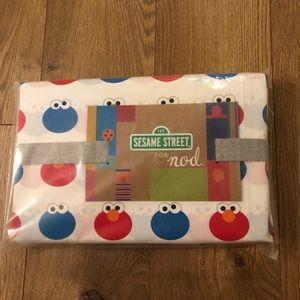NWT Crate and Kids Sesame Street Toddler Sheet Set